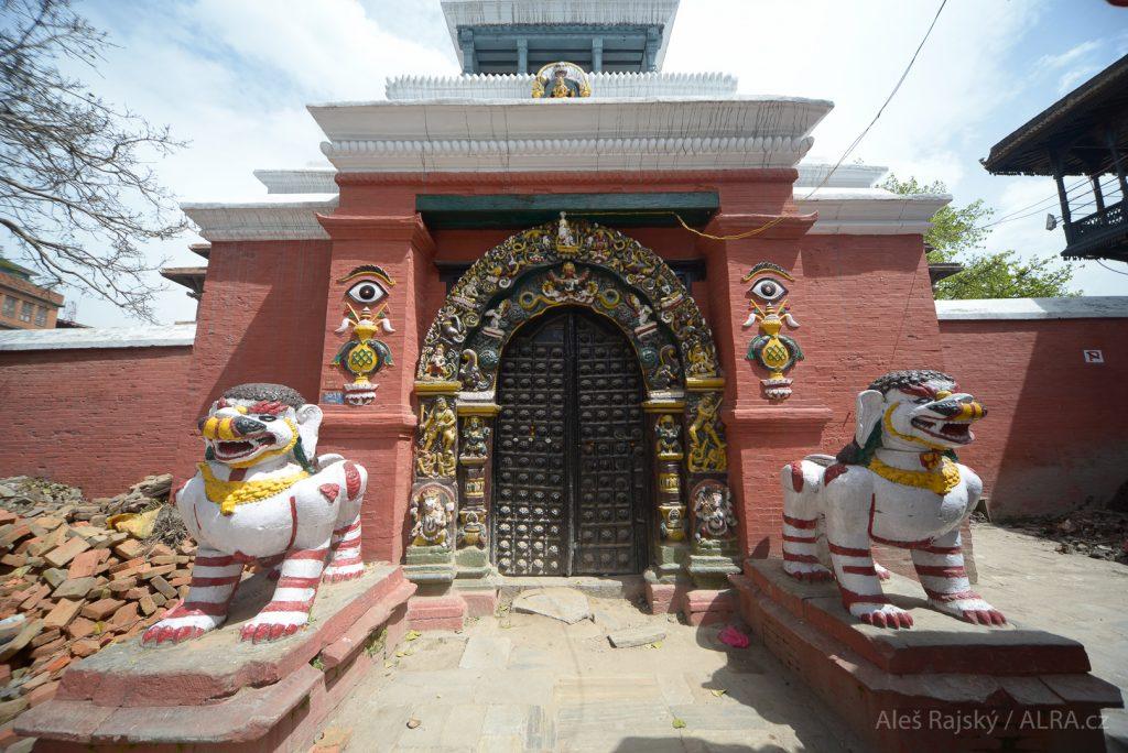 Chrámy v Káthmándú na náměstí Durbar.