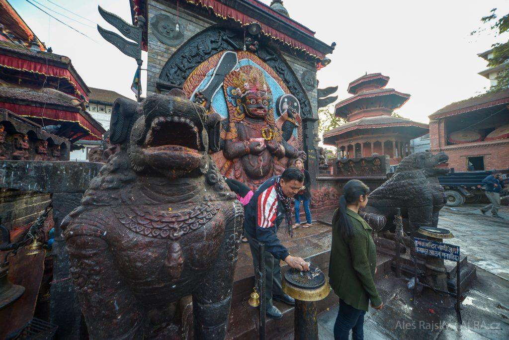 Nepál - Bohyně Kálí na náměstí Durbar v Kátmándú